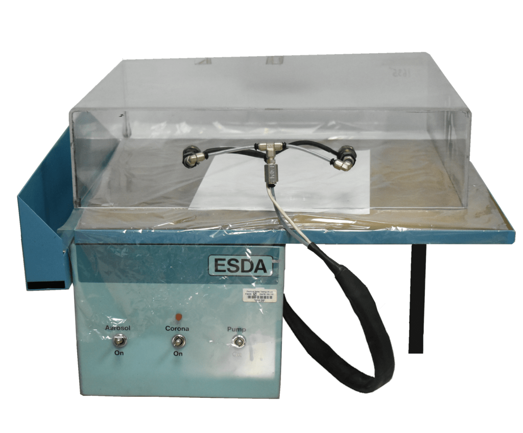 Dispositivo de detección electroestática (ESDA) para visualizar marcas de presión en documentos.